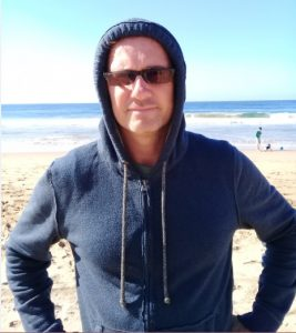 A RichardDaguiar lifecoaches once a week for free, at his Student Accommodation in durban commmunes in durban. Richard is lifecoach and business coach in durban 20180410